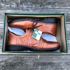 Josef Seibel Oxford type, comfy leather shoe NWT